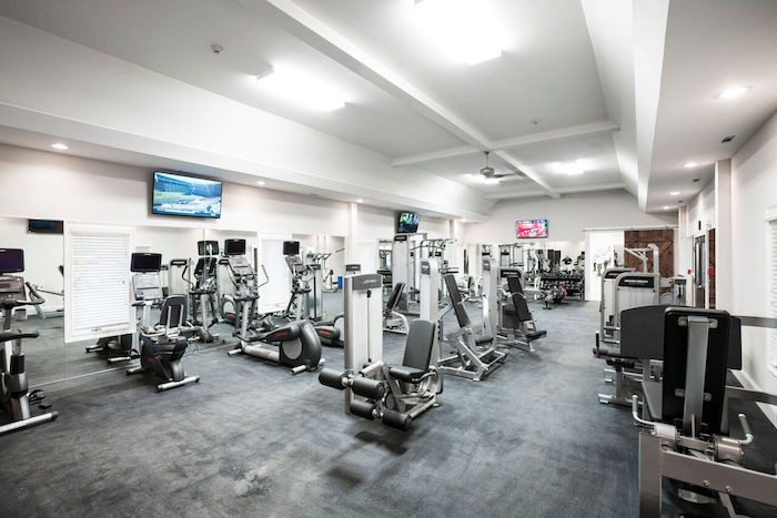 How to Keep Your New Year's Fitness Resolutions Intact at Harbor Club